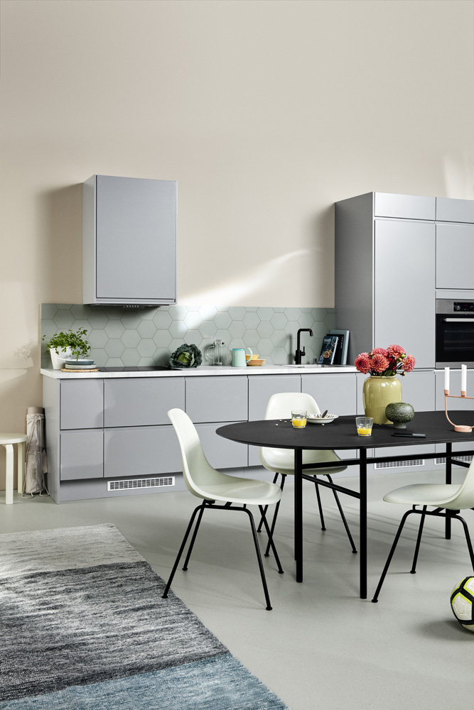Integra Steel Grey K07B Full view of kitchen without people 00494